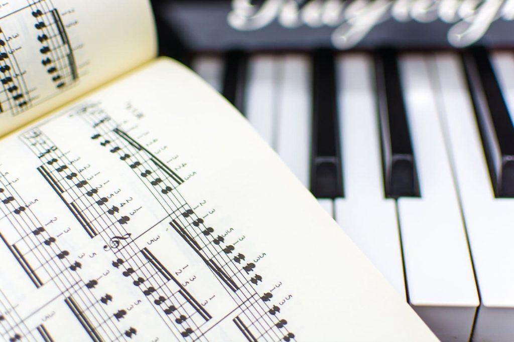 piano lessons milton keynes